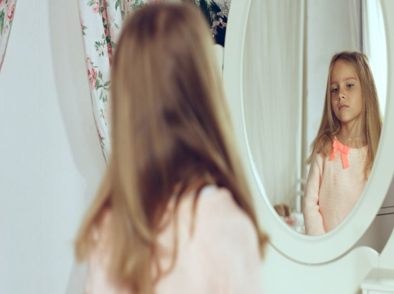 Scientist: negative self-image in girls comes from mothers