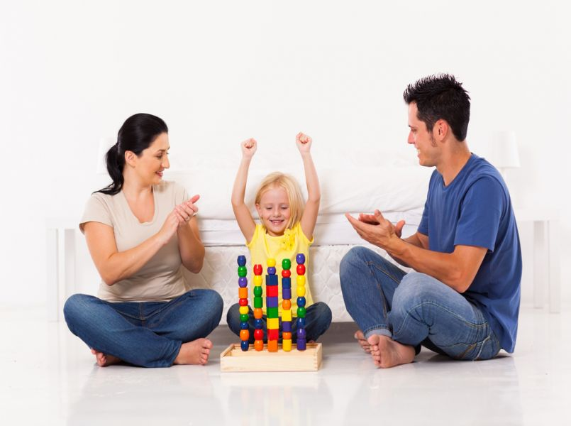 Hoe zit het nu met kinderen en complimenten geven?