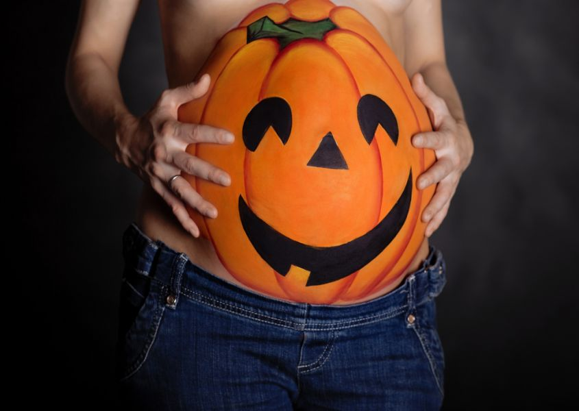 The coolest Halloween outfits for pregnant women