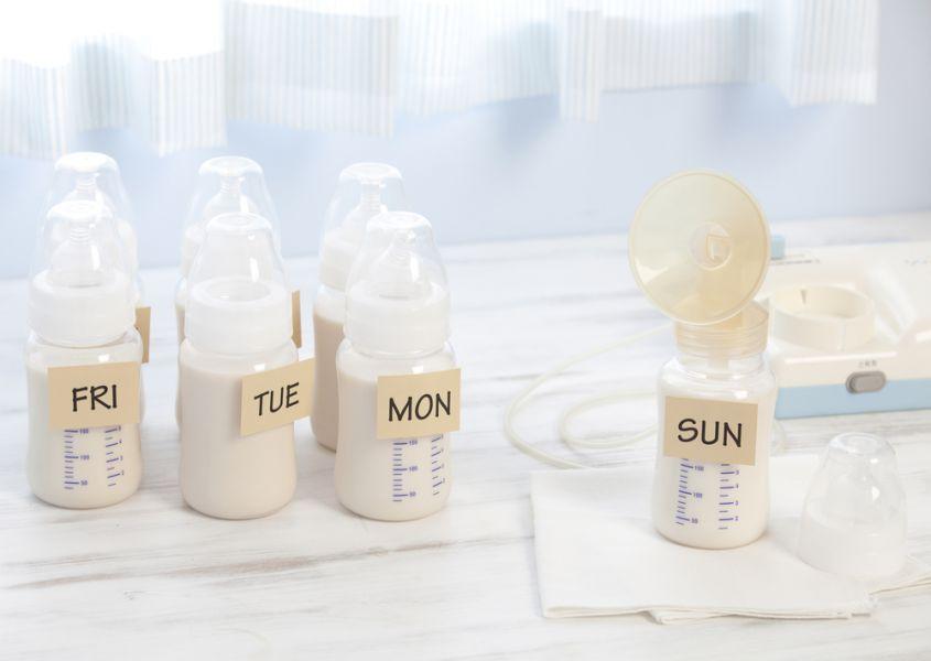 Hoe en hoe lang kun je moedermelk bewaren?