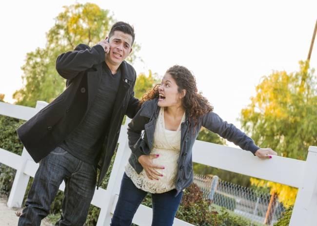 Wat moet ik doen als mijn vrouw/vriendin weeën krijgt?
