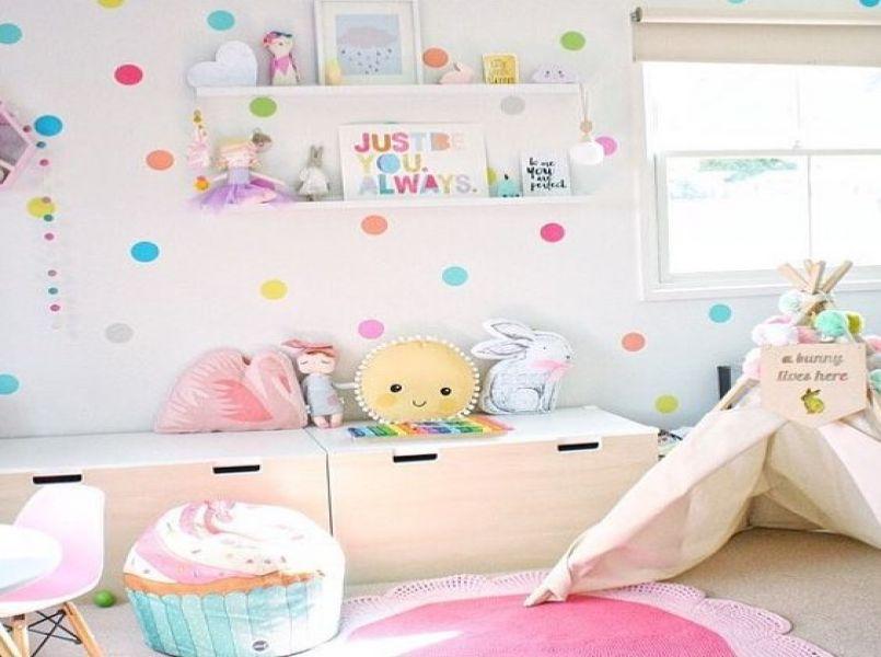 10 prachtige babykamers met felle kleuren