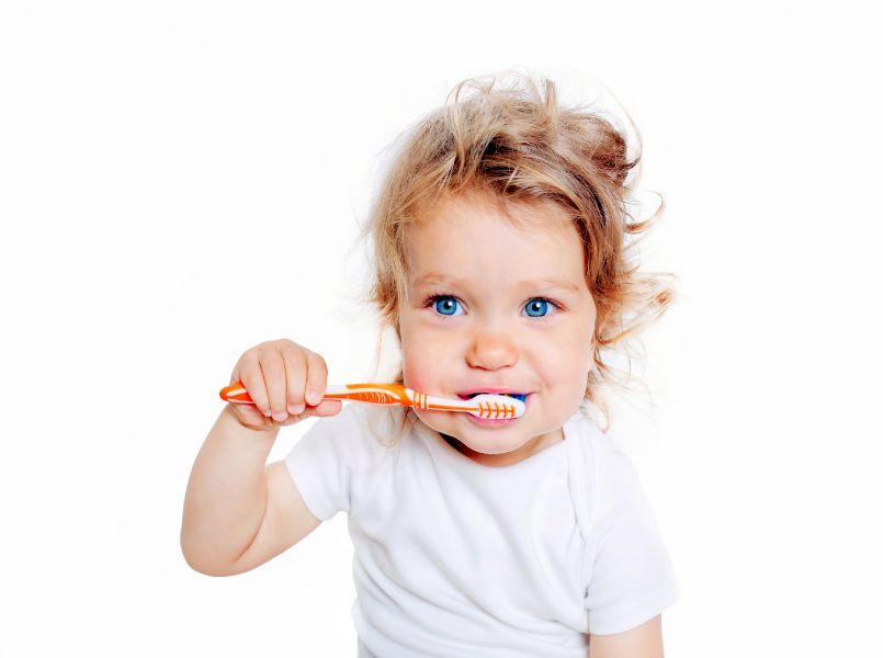 Tips Zo Verzorg Je De Eerste Tandjes Van Je Kind