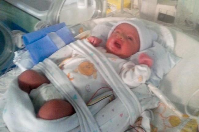 Ongelooflijk Baby Overleeft 107 Dagen In Buik Van Hersendode Moeder